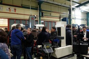 FPAndraMari en jornada tecnología 5 ejes centro de mecanizado